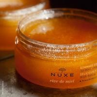 Rêve de Miel di Nuxe, i benefici del miele su labbra e corpo