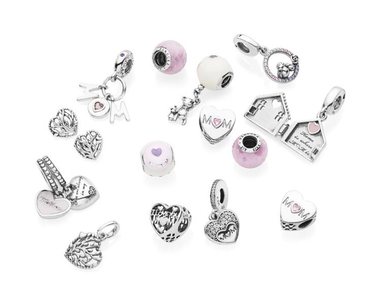 selezione premium 7eda0 055d4 Legami d'amore, la collezione Pandora per la Festa della ...