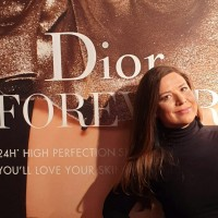 L'effetto sorprendentemente luminoso del nuovo fondotinta Dior Forever Skin Glow