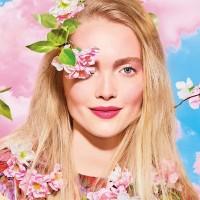 Collezione Mac per la primavera, una romantica cascata di petali