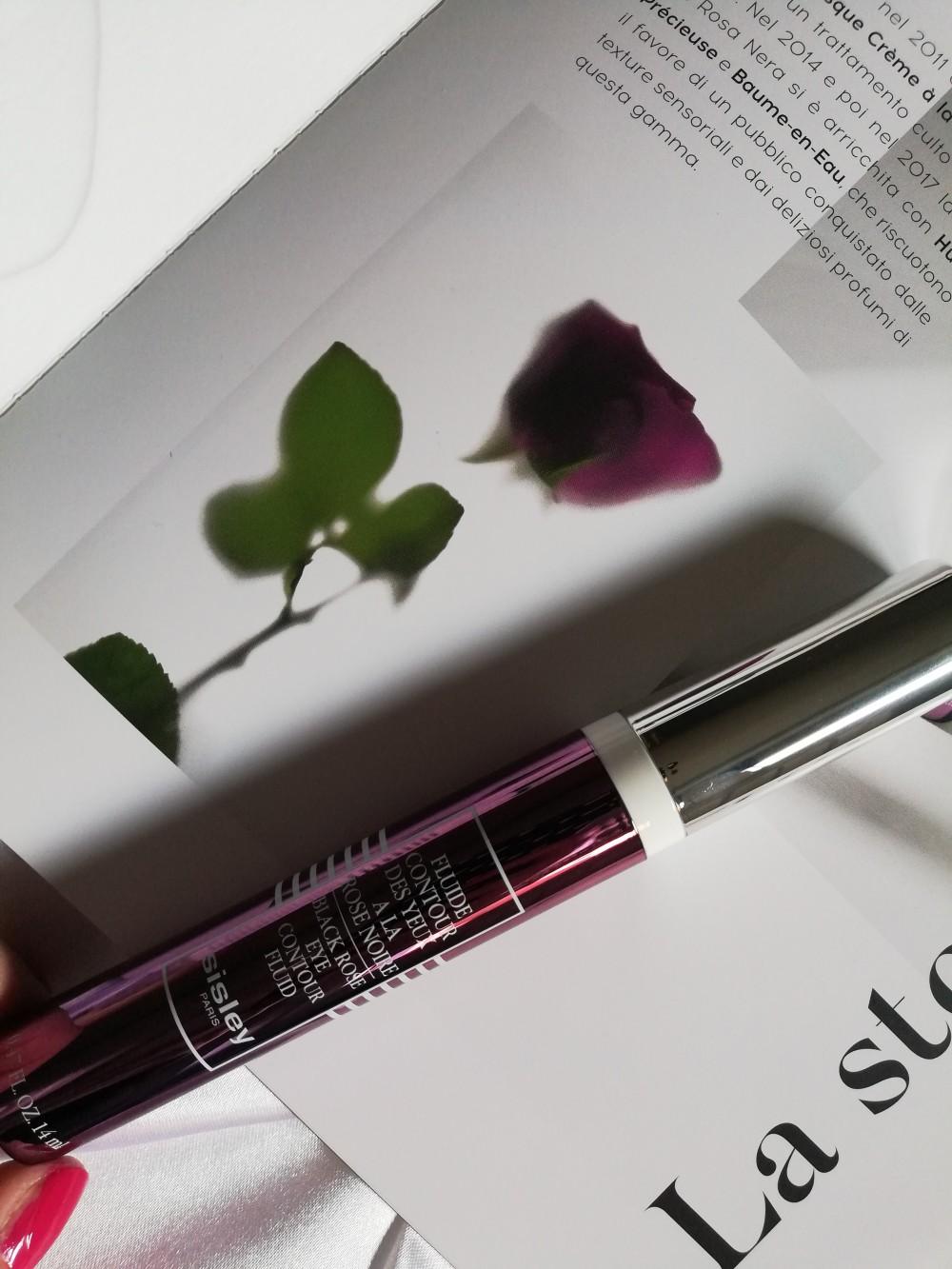 Fluide Contour des Yeux a la rose noire di Sisley Paris