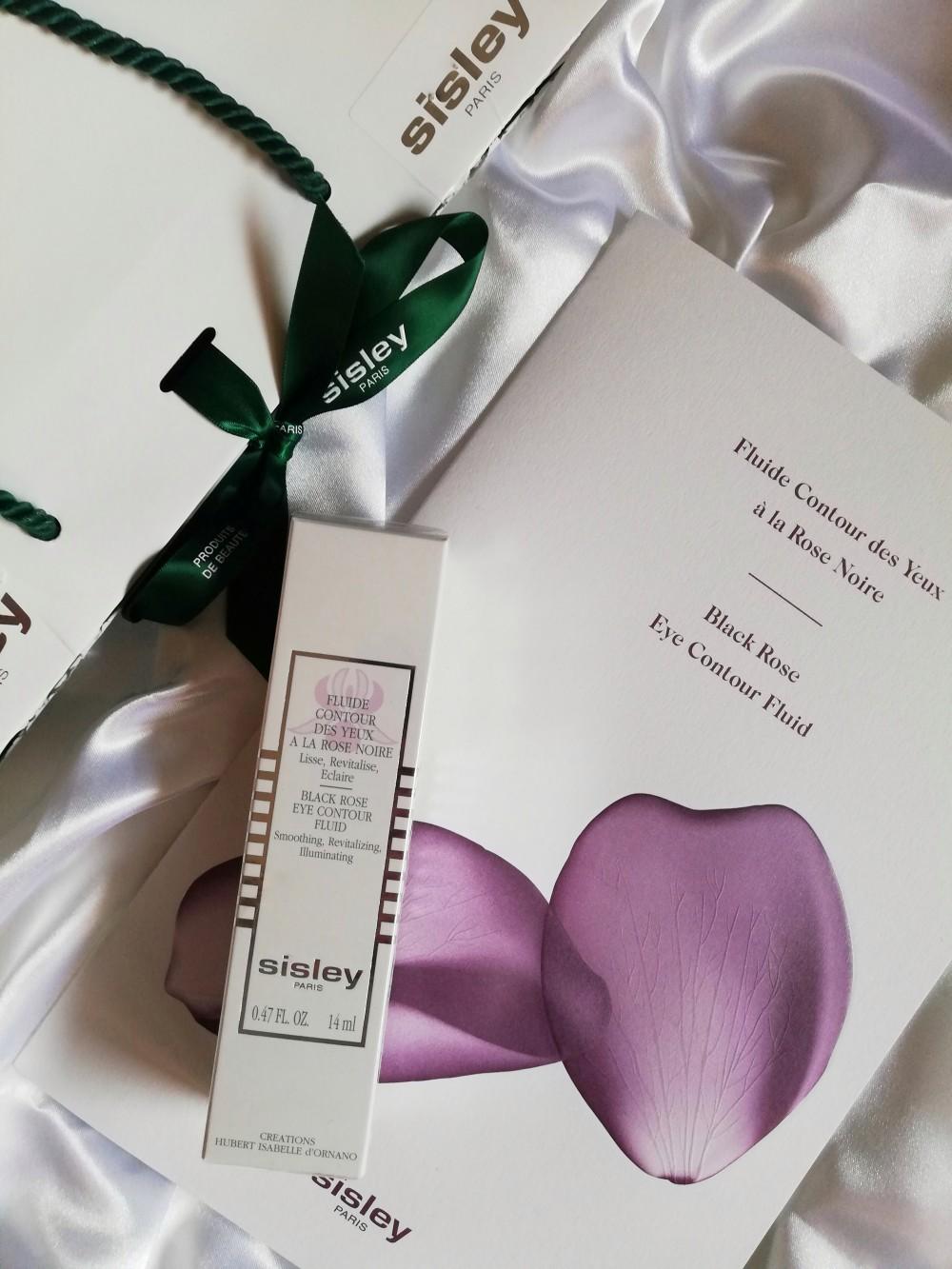 Sguardo fresco e luminoso col fluido alla rosa nera Sisley Paris