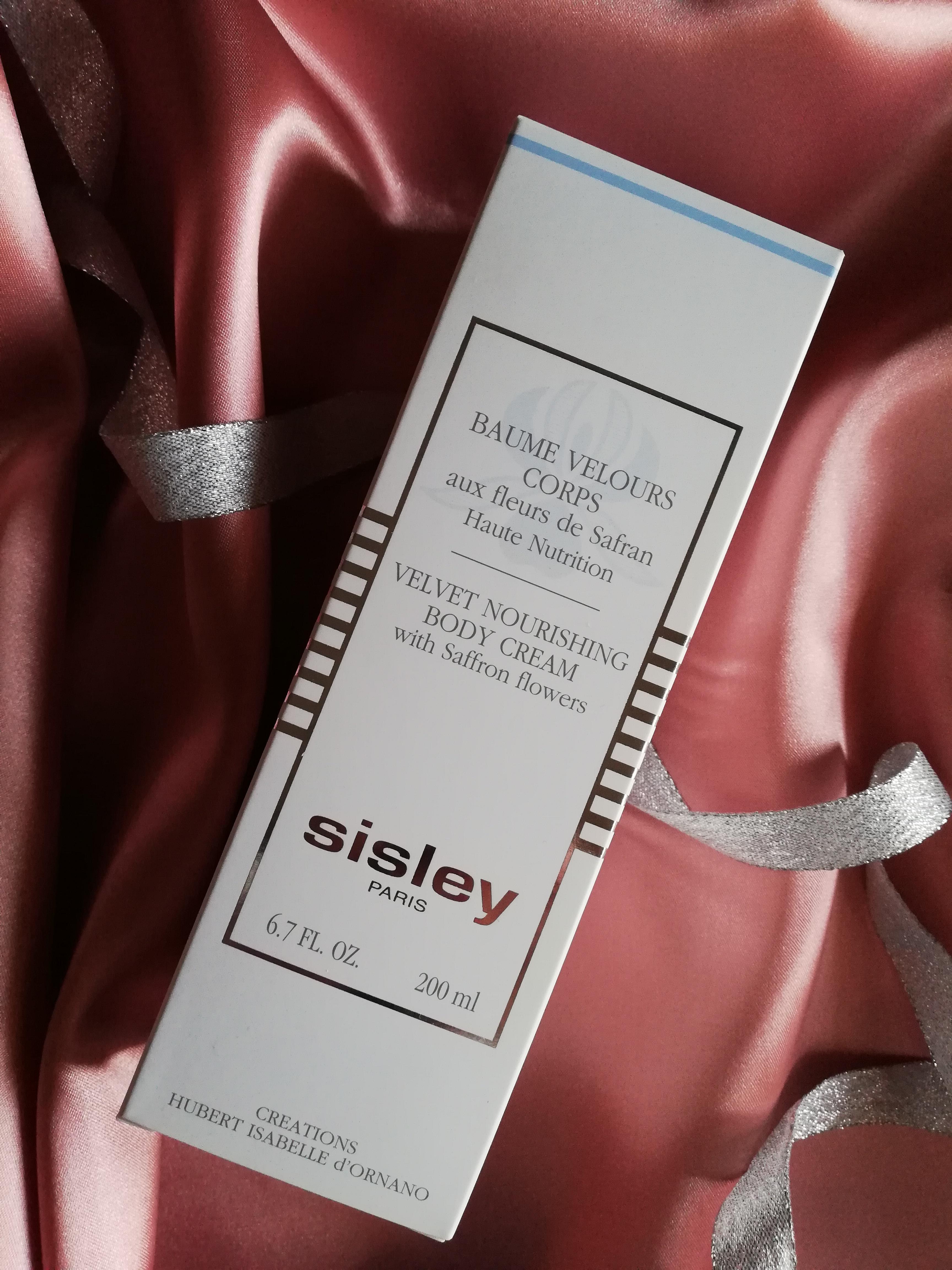 Balsamo corpo Sisley Paris ai fiori di zafferano per la pelle secca